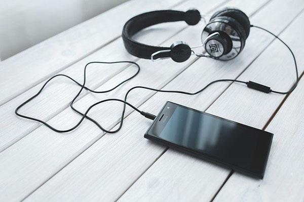 cq-headphones
